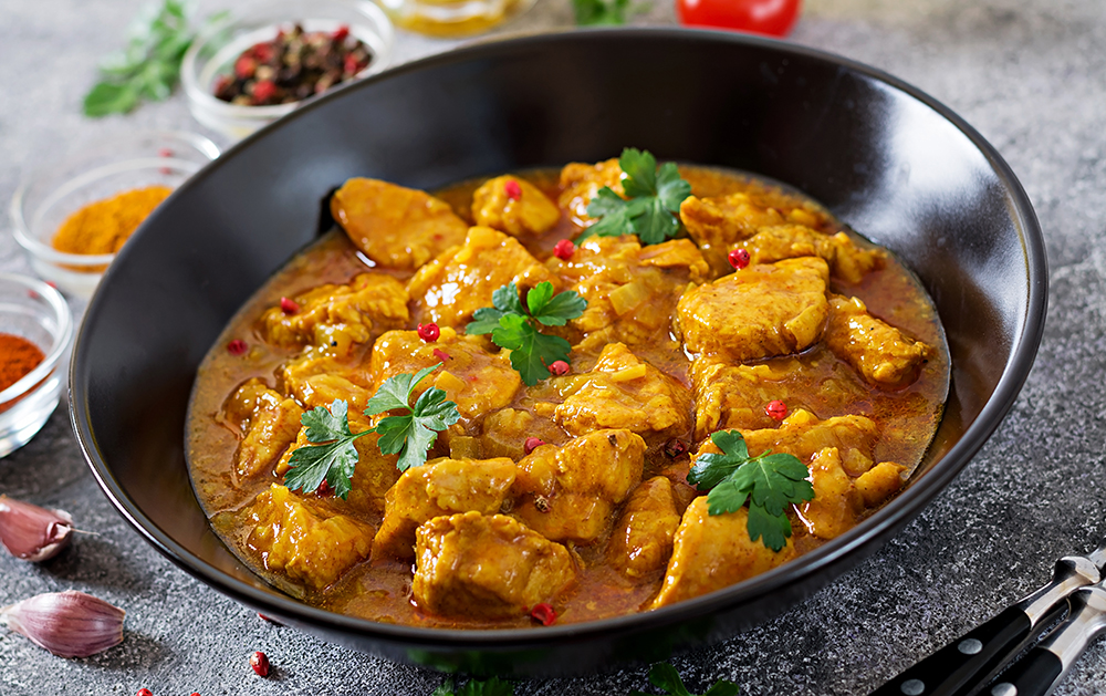 Curry Chicken with Chopped Apples