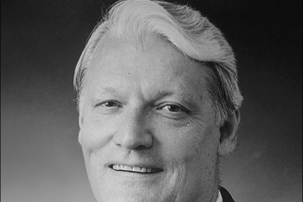 Dr. Robert W. Schrier 1936–2021